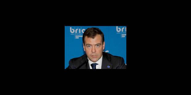 Medvedev veut assouplir une loi controversée sur les ONG - La Libre