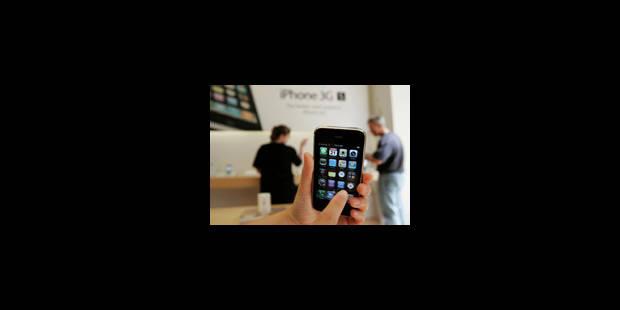 Apple portée par le nouvel iPhone