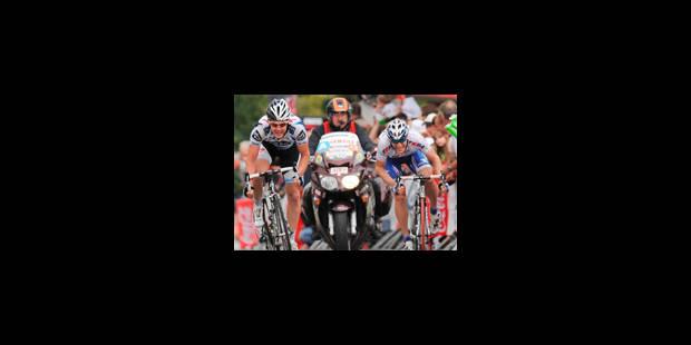 Un motard de la police décédé au Tour de Wallonie - La Libre