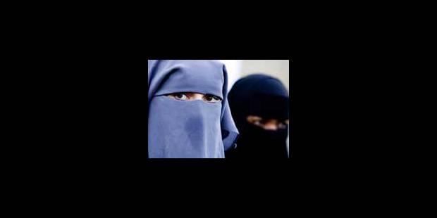 La loi belge sur la burqa irrite - La Libre