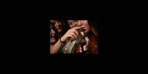 L'OMS recommande de la fermeté contre l'alcool chez les jeunes - La Libre