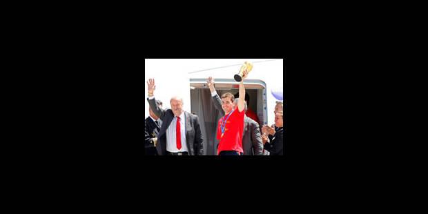 Les Espagnols champions du monde ont atterri à Madrid - La Libre
