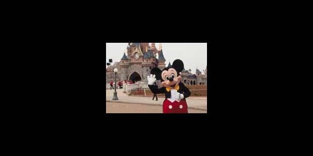 Mickey retrouve le sourire à Paris - La Libre