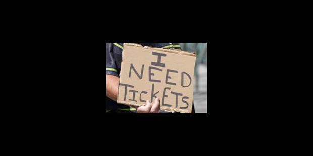 La hausse du prix des tickets menace l'avenir du foot belge - La Libre