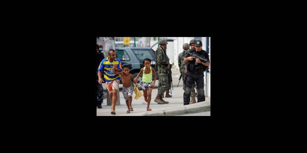 Une vie sous haute surveillance pour les habitants de la favela libérée - La Libre
