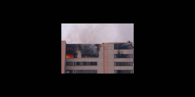 Incendie dans une usine bengalie: 22 morts et 100 blessés - La Libre