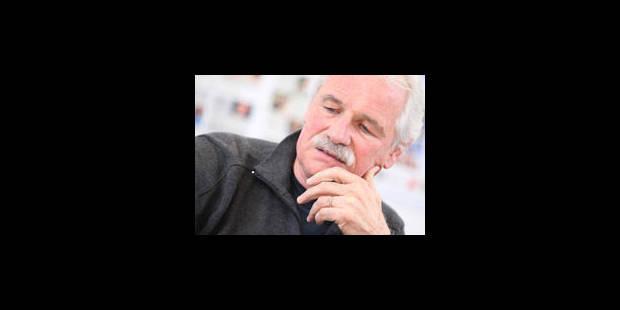 """Yann Arthus-Bertrand: """"Vivre mieux, avec moins"""" - La Libre"""