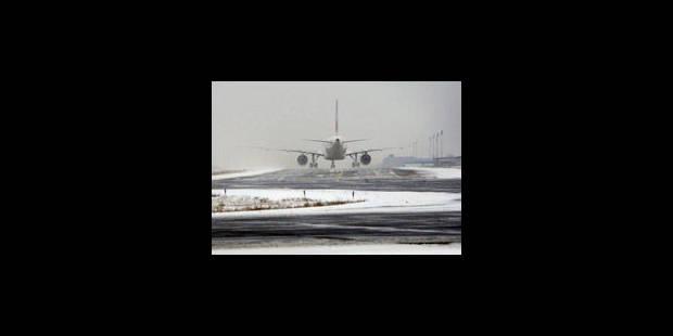 Des dizaines de vols annulés dans les aéroports européens - La Libre
