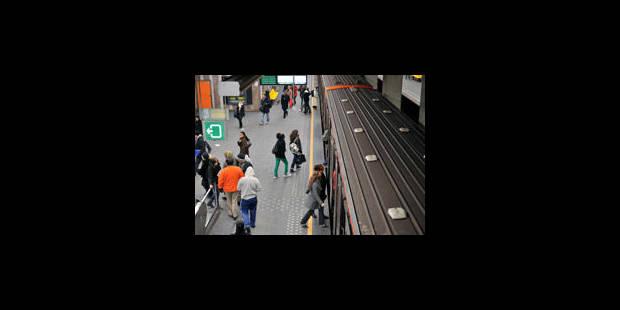Agression au couteau à la station De Brouckere - La Libre