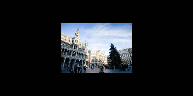 Travaux de restauration pour six façades de la Grand-Place de Bruxelles - La Libre