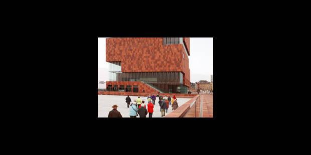 Une nouvelle tour brille sur Anvers - La Libre