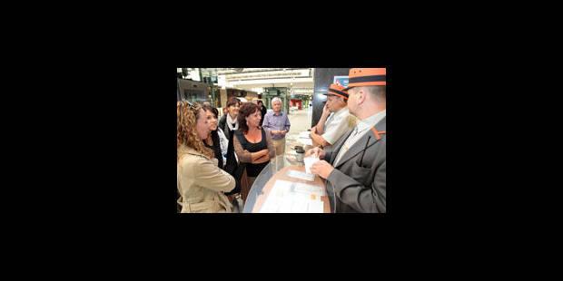 SNCB: Deux tiers des voyageurs achètent leur ticket au guichet - La Libre