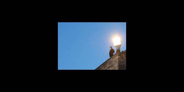 4h30 du mat', la cour du palais des Papes - La Libre