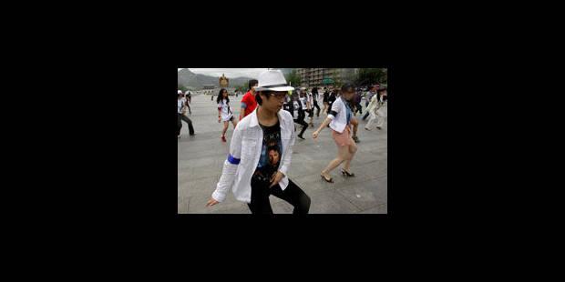 Les fans de Michael Jackson commémorent le 2e anniversaire de sa mort - La Libre