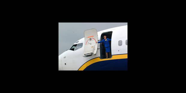 Aéroport de Charleroi: la CNE poursuivra en septembre Ryanair et Crewlink - La Libre