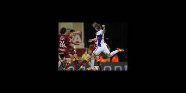 Anderlecht renverse la vapeur en 4 minutes contre Zulte Waregem (2-3) - La Libre