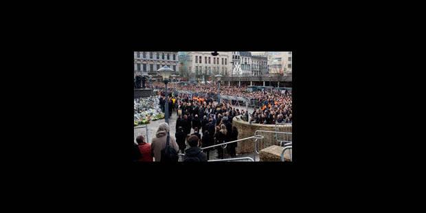 1.124 personnes ont bénéficié d'un suivi psycho-social après la tuerie de Liège - La Libre