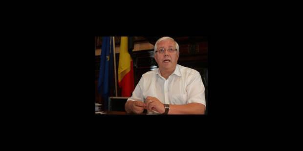 Le bourgmestre de Namur Jacques Etienne démissionne - La Libre