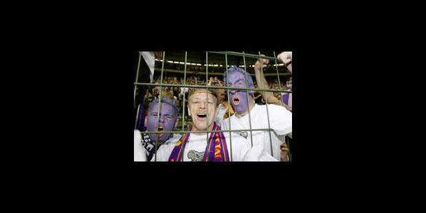 La fin des grillages dans les stades - La Libre