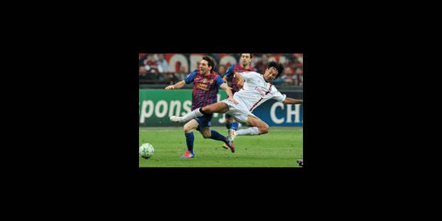 Plainte du Barça contre la pelouse de l'AC Milan - La Libre