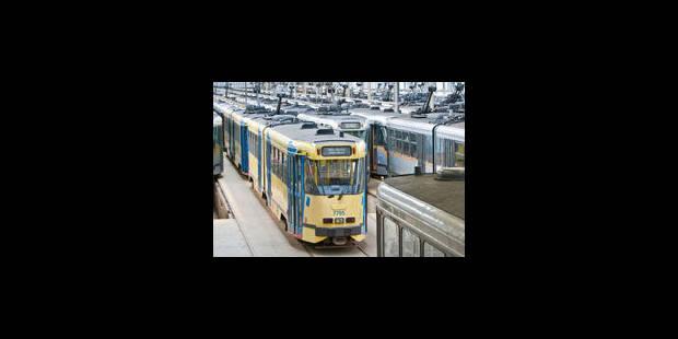 Collision dans un dépôt: trois trams STIB endommagés - La Libre