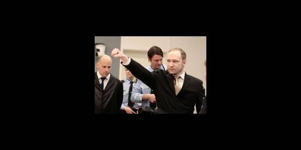 Procès Breivik: l'accusé reste impassible