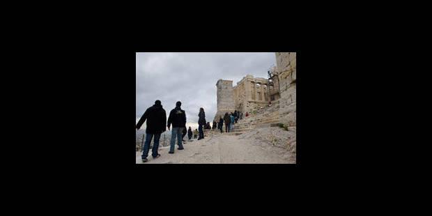 Les Grecs appelés aux urnes pour tenter de sauver le pays