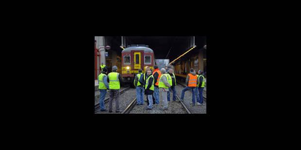 Les conducteurs de train SACT lèvent leur préavis de grève - La Libre