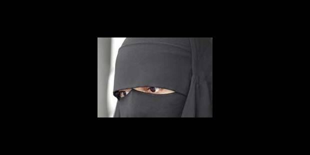 Molenbeek: la jeune femme contrôlée en niqab va déposer plainte - La Libre