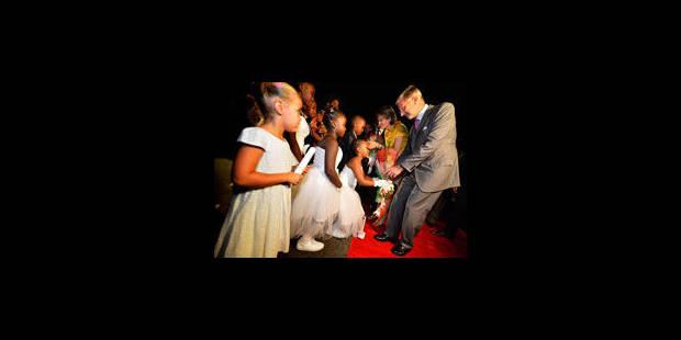 Le prince Philippe avec Reynders et Magnette au Burundi