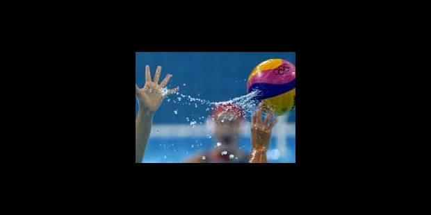 Water polo: coups de boule et coups de maillots sous l'eau - La Libre