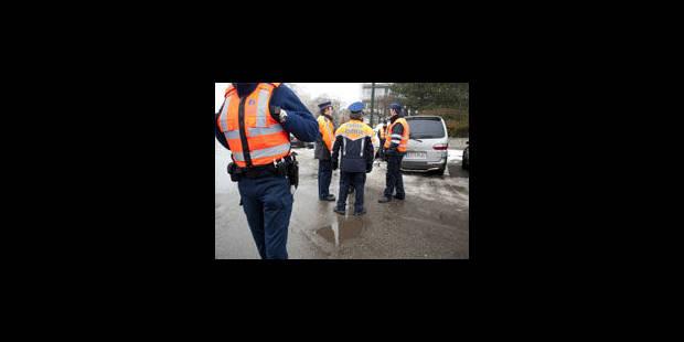 Les syndicats policiers menacent de faire grève