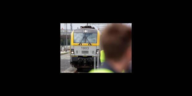 Un train de voyageurs envoyé sur une mauvaise voie - La Libre