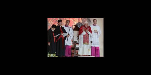Le pape demande aux pays arabes d'agir pour la paix