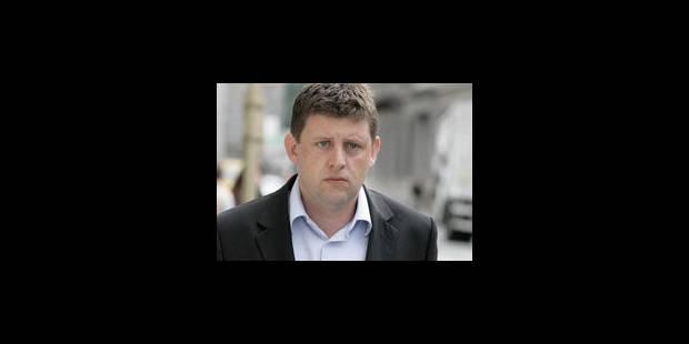 Un gouvernement fédéral à six ministres suffit, selon Crombez - La Libre