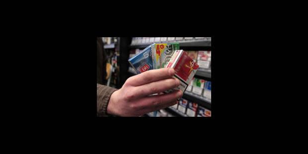 Aldi, Makro et Colruyt attaqués sur les prix du tabac - La Libre