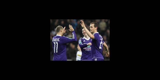 Anderlecht empoche une dixième victoire d'affilée face au Lierse (4-1)