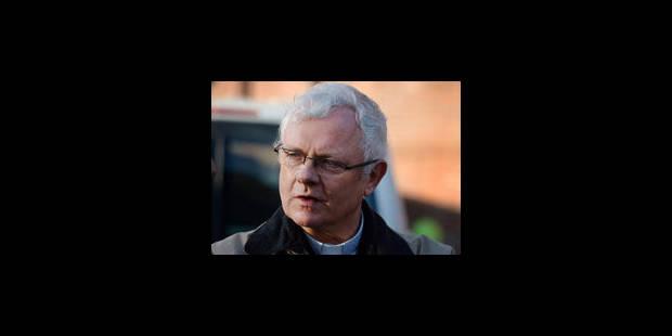 Un prêtre élu du PTB brave son évêque - La Libre