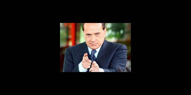 Berlusconi met ses bimbos de côté - La Libre
