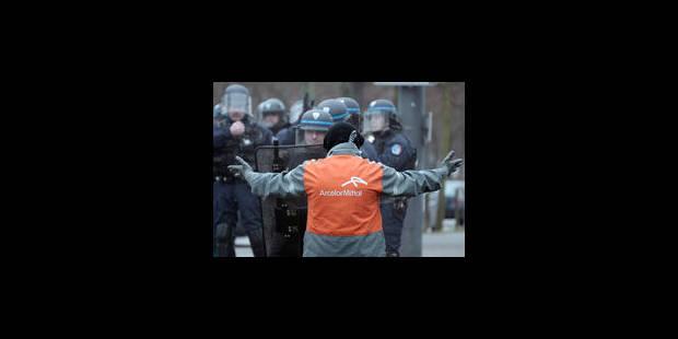 """Les """"Arcelor"""" d'Europe manifestent à Strasbourg sous haute tension"""
