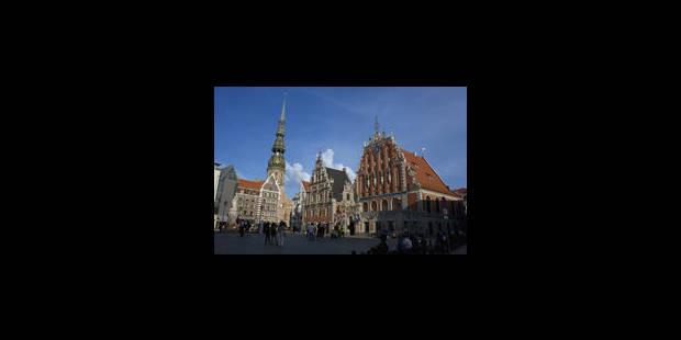 La Lettonie a signé sa demande officielle d'adhésion à l'euro - La Libre
