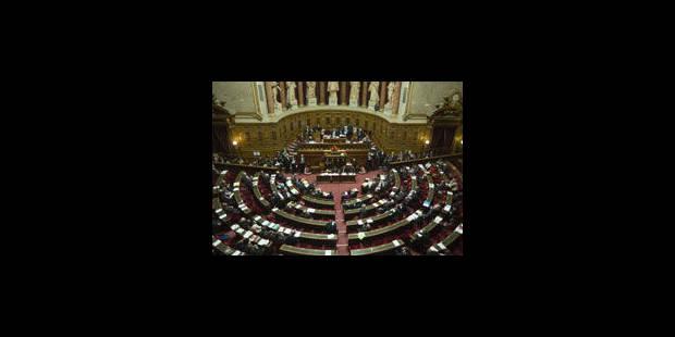 France: le Sénat adopte l'article ouvrant le mariage aux homosexuels