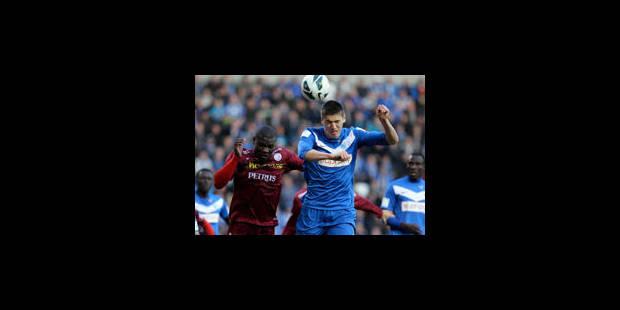 Zulte ne lâche pas Anderlecht après son nul face à Genk