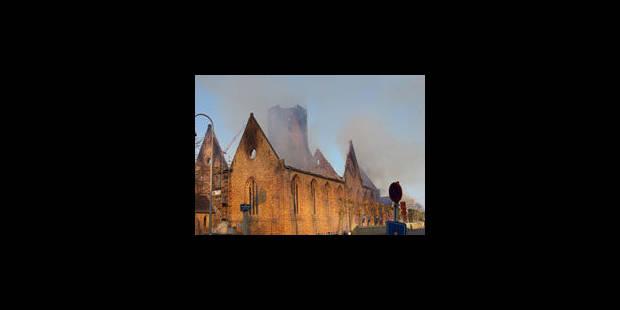 Un important incendie ravage une église de Knokke - La Libre