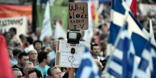"""""""La Grèce est officiellement devenue un pays autoritaire"""" - La Libre"""