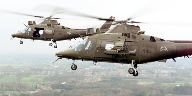 Weelde exercice Agusta helicoptere armee maneuvre