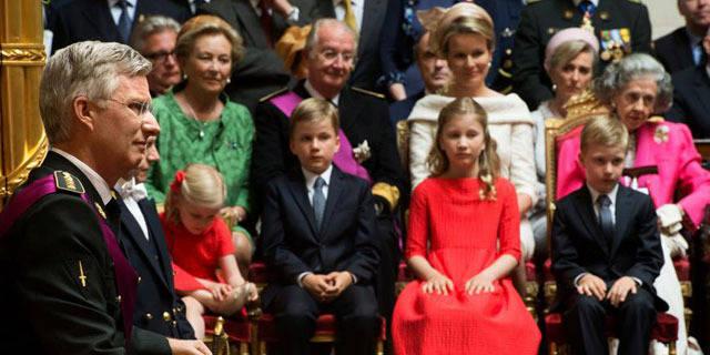 Famille royale: la réforme des dotations assortie d'un code de conduite