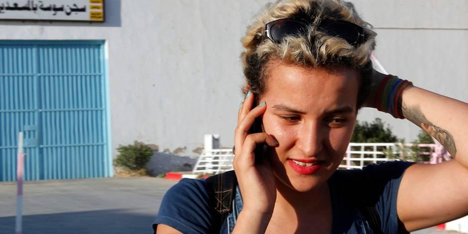 Amina quitte le Femen et l'accuse d'islamophobie