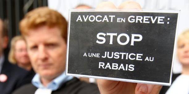 Les avocats prêts à (re)partir en grève - La Libre