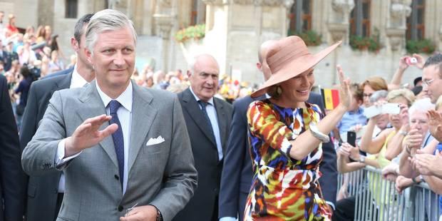 Philippe et Mathilde accueillis par la foule à Louvain - La Libre